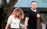 Mới hẹn hò chưa lâu, vợ cũ Johnny Depp được bạn trai tỷ phú tặng xe hơi