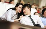 Vợ chồng Thủy Tiên - Công Vinh tình cảm trên khán đài