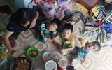 Người mẹ bán vé số vừa thất lạc đứa con út 3 tuổi ở Sài Gòn có tới 11 đứa con