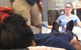 Bạn trai nguy kịch được đẩy vào phòng cấp cứu, nữ y tá chưa hết sợ thì lại nhận được tin sốc hơn