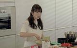 Trước ngày cưới, cô dâu Song Hye Kyo tự tay vào bếp làm tiệc chia tay đời độc thân