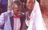 Cô gái đồng ý kết hôn với chàng trai dù chỉ có chiếc nhẫn cưới bằng sắt trị giá 1USD và cái kết có hậu
