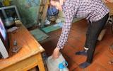 Bi hài cảnh mất nước sạch ngày Hà Nội nóng đỉnh điểm: Cả nhà 4 người chờ đủ 4 lần đi vệ sinh mới dám xả nước