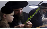 Ông bố Do Thái dạy con 1+1 > 2 và sau này cậu bé trở thành CEO nổi tiếng: Bài học về tư duy khác