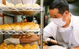 Có gì tại tiệm bánh mì Nhật Bản, hoạt động 74 năm và chỉ bán 2 loại bánh nhưng vẫn nườm nượp khách?