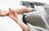 Những mối nguy hại khôn lường của thói quen trùm chăn kín đầu khi ngủ