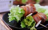 Bữa tối quá bận rộn chỉ cần mỗi món thịt cuộn xà lách ăn cũng đủ chất mà ngon miệng