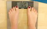 Bài học mà 1 chuyên gia dinh dưỡng rút ra sau khi đứng lên cân 15 lần/ngày