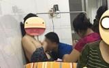 Bức ảnh chồng chữa cương sữa cho vợ trong viện phụ sản khiến chị em chia phe tranh cãi dữ dội