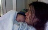 Ly kỳ chuyện bà mẹ sinh con trong lúc đang... ngủ