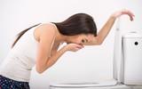 Cũng là nôn mửa và tiêu chảy nhưng rất có thể bạn không bị ngộ độc thực phẩm mà bị căn bệnh dạ dày này