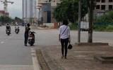Clip: Cô gái gào khóc giữa đường đòi về vì bạn trai phóng hơi nhanh khi đi chơi Tết