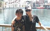 Quý tử nhà Tạ Đình Phong - Trương Bá Chi càng lớn càng đẹp trai và giống bố như đúc