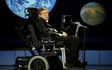 Điều gì đã giúp nhà vật lý Stephen Hawking mắc bệnh teo cơ vượt qua cửa ải sinh tử tới hơn 50 năm?