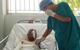 Thương tâm thai phụ và con gái 15 tháng tuổi biến thành ngọn đuốc sống vì nổ bình gas