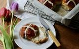 Bánh mì ngọt mềm ẩm thơm ngon chỉ muốn ăn hoài ăn mãi