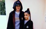 Sau 10 ngày hẹn hò, Ariana Grande đã đính hôn với bạn trai nhanh như cách bỏ show tại Việt Nam