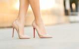 Người phụ nữ đột nhiên ngất xỉu, khi đến bệnh viện bác sĩ phát hiện thủ phạm chính là giày cao gót và lời cảnh báo đáng chú ý