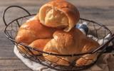 Tự làm bánh mì cua phô mai ngon hết nấc đãi cả nhà