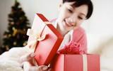 Đằng sau những món quà tặng không đề tên người gửi là sự thật bất ngờ