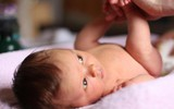 Lần đầu làm mẹ sẽ nhàn tênh nếu bạn biết đến 15 mẹo vặt chăm sóc trẻ sơ sinh dưới đây