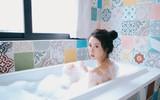 Để vùng kín không bị viêm nhiễm thì ngay sau khi tắm bạn cần làm ngay việc này