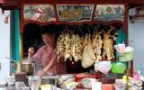Dạo quanh các khu ẩm thực nước ngoài ở Sài Gòn, không chỉ có món ăn ngon mà chụp ảnh sống ảo cũng cực chất