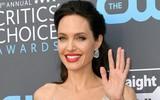 Angelina Jolie chỉ nặng 35 kg vì nhịn ăn và không ngừng uống cà phê, hút thuốc?
