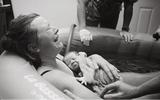 12 shoot hình tan chảy về khoảnh khắc mẹ gặp bé sau khi vượt cạn