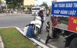 Đi ngược chiều, cô gái nhận hình phạt dễ thương từ CSGT Đà Nẵng: Chép phạt kín trang giấy