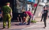 Hà Nội: Nam thanh niên ngáo đá tưởng mình là Tề thiên đại thánh náo loạn đường phố