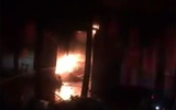 Hà Nội: Cháy cực lớn tại xưởng chế biến đồ gỗ tại Thạch Thất