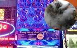 Hiểm họa cháy nổ từ các quán Karaoke cao tầng bít bùng, biển quảng cáo che lối thoát hiểm tại Hà Nội