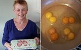 Kinh ngạc chục quả trứng gà trong một khay đều có 2 lòng đỏ