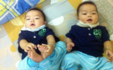 Nghe bà mẹ xinh đẹp chia sẻ bí quyết chăm sóc hai bé sinh đôi