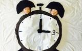 Mẹ Nhật biến giấc ngủ của hai con sinh đôi thành những cuộc phiêu lưu kỳ thú