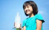 Nước uống có ga có thể khiến trẻ bị lùn
