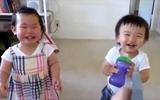 Thư giãn với clip tràn ngập tiếng cười của bé