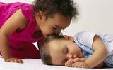 Cách mặc đồ an toàn cho bé đi ngủ mẹ phải biết