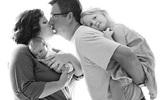 Những khoảnh khắc cực hạnh phúc của bé bên gia đình