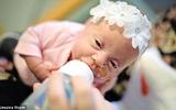 Những hình ảnh vô cùng cảm động trong phòng chăm sóc tích cực cho bé sơ sinh