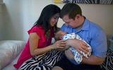 Một ngày quay cuồng của gia đình có em bé mới sinh