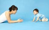 Trò chơi kích thích trí thông minh cho bé 9 – 10 tháng tuổi