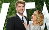 Miley Cyrus bật khóc khi nhận nhẫn cưới lá cọ từ Liam Hemsworth