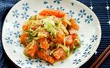 Salad cá hồi cho các mẹ giảm cân ăn Tết thật xinh nhé!