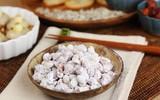 Ăn giòn tan ngon mê tơi với món đậu phộng bọc đường thân quen