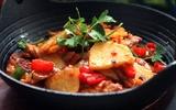 Thêm vị ngon cho món khoai tây xào bò quen thuộc với công thức mới toanh