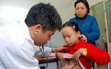 Rét hại, rét đậm: người lớn, trẻ nhỏ tấp nập nhập viện