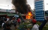 Cháy lớn chợ đêm