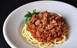 Nấu mỳ Ý với sốt cà thịt bò tự chế thơm ngon